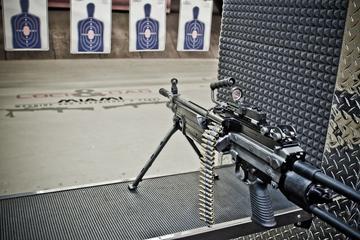 Experiência com metralhadora em Miami