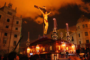 Easter Week Guided Tour in Granada