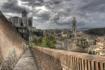 self guided walking tour girona