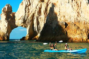 Tour en kayak en la bahía de Cabo San Lucas con buceo de superficie