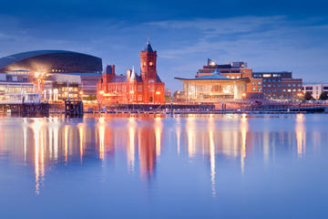 2-Day Cardiff City Break with Private Food Tasting