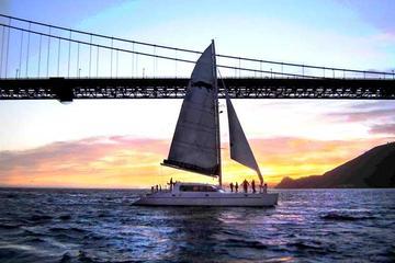 Zonsondergangcruise per catamaran door de baai van San Francisco