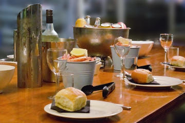 Friday Night Brisbane Kayak Tour with Optional Prawn Dinner