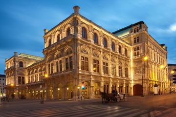 Mozartkonzert in der Wiener Staatsoper in historischen Kostümen