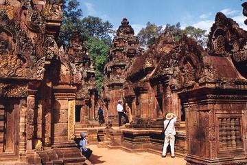 One day Kbal spean and Banteay Srei with lunch