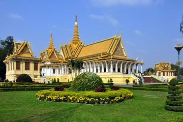 Private One Day Phnom Penh City Tour Including Lunch and Dinner