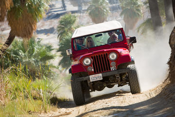Day Trip San Andreas Fault Small-Group Jeep Tour from Palm Desert near Palm Springs, California