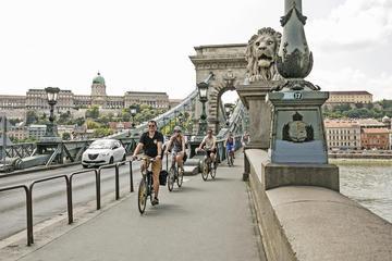 Excursão de bicicleta privada em Budapeste com parada para café