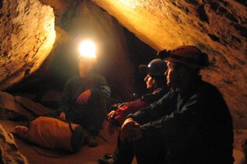 Grottevandringstur i Budapest i lille gruppe