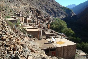 Excursion d'une journée complète de Marrakech à l'Imlil et la vallée...