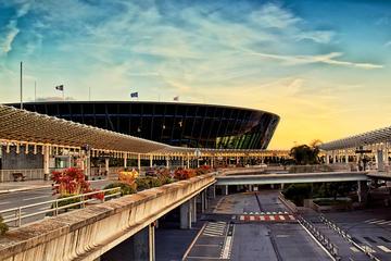 Traslado privado de salida al aeropuerto de Niza desde Cannes, Mónaco...