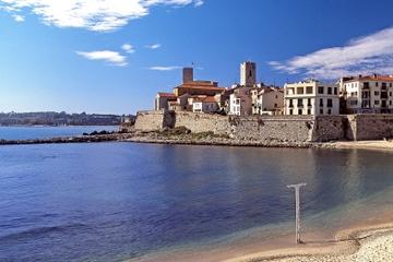 Viagem de meio dia para grupos pequenos para Cannes e Antibes saindo...