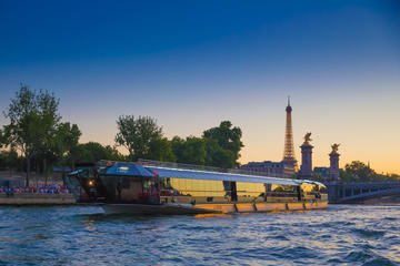 Bateaux-Mouches 3-Hour Seine River Cruise Including Dinner and Live...