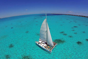 Sail to Isla Mujeres with Lunch and Open Bar from Cancun and Riviera Maya