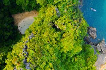 4 Islands Kayaking Tour from Ko Lanta Yai Including Buffet Lunch