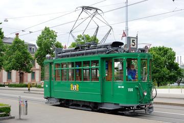 Rundfahrt in Oldtimer-Straßenbahn am...