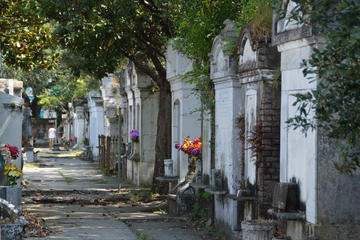 Walking Tour of Lafayette Cemetery 1