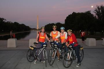 Locais de Washington DC na excursão de bicicleta à noite