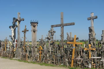 Full-Day Rundale Palace and Hill of Crosses Private Tour