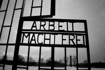 Visita a pie en español al campo de concentración de Sachsenhausen
