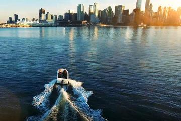 バンクーバーのボートレンタルは最大5人までです。