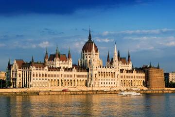 Visite combinée à Budapest: circuit à arrêts multiples, croisière...