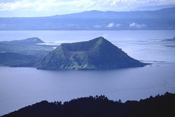 Excursion privée: randonnée au volcan Taal avec déjeuner, au départ...