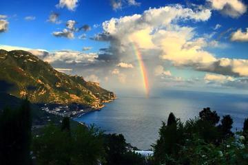 Randonnée sur le sentier des dieux Sentiero Degli Dei de la côte...