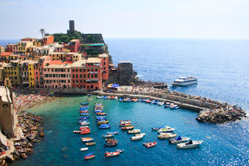 Cinque Terre Discovery on your own: Round Trip Bus Transport from...