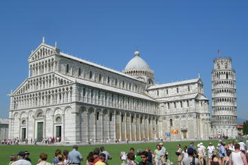Independent Trip to Pisa from Florence with Private Transport