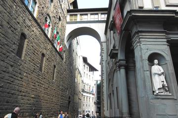 Path of the Prince Tour: Discover Palazzo Vecchio and Uffizi Gallery...