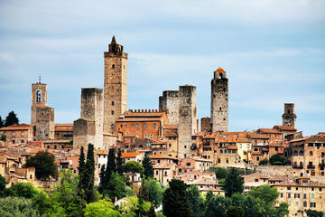 Siena with Palio's Contrada, San Gimignano and Chianti, Day Trip from Florence with Wines and Food Tasting