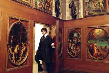 Visite en petit groupe des passages secrets du Palazzo Vecchio avec...