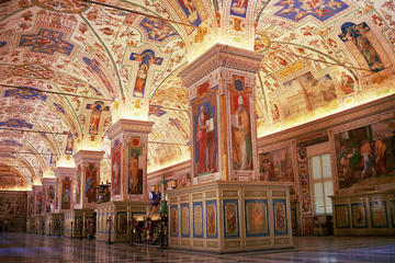 Small-Group Tour: Vatican Museums, Sistine Chapel, and St. Peter's Basilica with Skip-the-Line Access