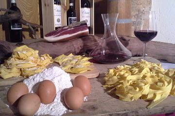 Lezione di cucina in una tradizionale fattoria toscana