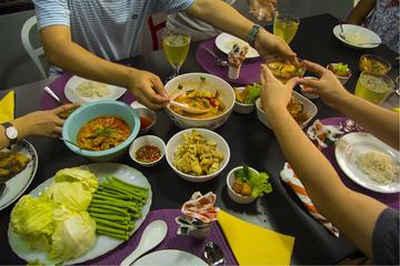 バンコクのプライベート タイ ホーム ディナー
