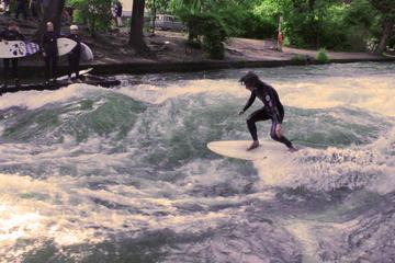Expérience unique de surf à Munich sur la rivière Eisbach en...