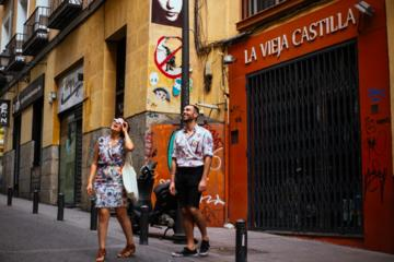 Private LGBT Tour in Madrid: Chueca...