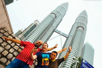 Private Skip The Line Tour in Kuala Lumpur: Petronas Twin Towers & Highlights