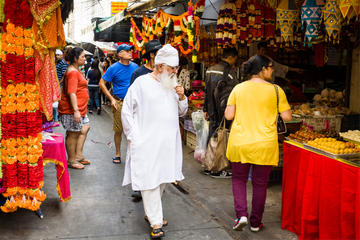 Private Tour of Bangkok's Multicultural Markets with a Local Guide