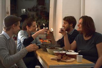 Privater ungarischen Abendessen mit einer Einheimischen in Berlin