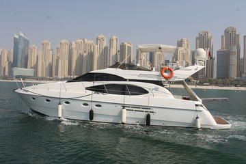 Dubai Luxury Yacht Charter From Dubai Marina