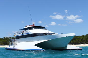 Whitsunday Three Island Cruise from Airlie Beach: Whitsunday Island...