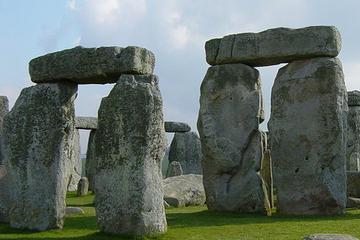 Dagsresa på egen hand från London till Stonehenge i buss