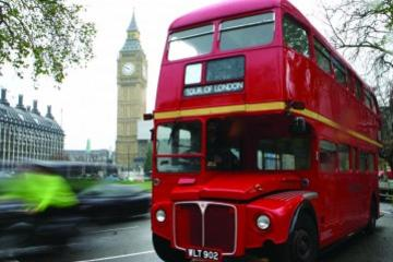 Tour met vintage bus door Londen met afternoon tea