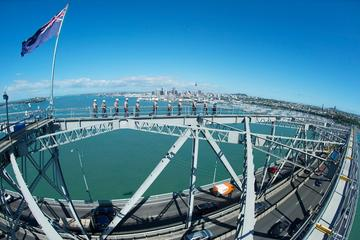 Klimmen op de Auckland Harbour Bridge
