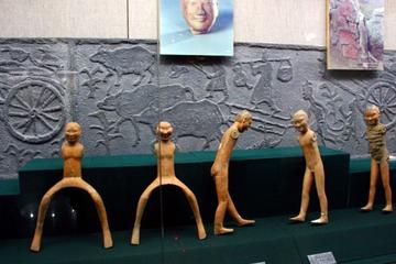 All inclusive private day tour including yang ling mausoleum and terra-cotta warriors museum with lunch