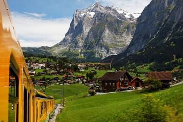 L'Eiger - vue panoramique sur le glacier de Jungfrau (au départ de...