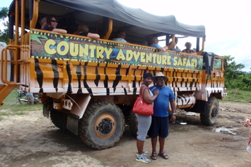 Safari en mega camión en la República Dominicana