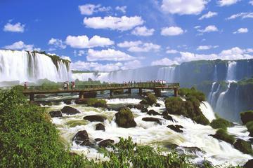 Die Iguazú-Wasserfälle von der brasilianischen Seite: Macuco Safari...